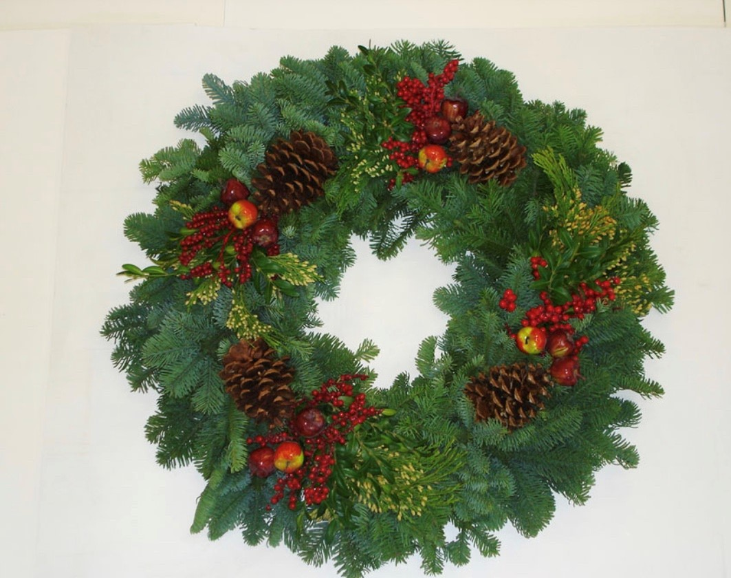 Fruite Royal Wreath